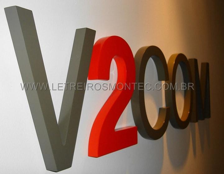 V2 COM