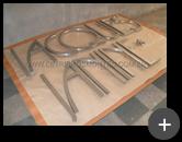 Fabricação do letreiro para a loja de cosméticos de aço inox escovado