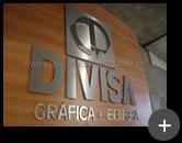 Letreiro da empresa Divisa - Gráfica - Editora produzido em aço inox escovado