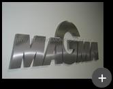 Letras em aço inox escovado para o letreiro da empresa Magma