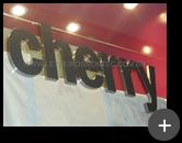 Letreiro produzido para loja de roupas Cherry em aço inox escovado