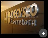 Corretora Decyseo - Letreiro produzido de inox escovado