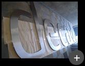 Letras de aço inox polido para a indústria Deca em produção