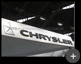 Letreiro para indústria Chrysler em aço galvanizado instalado com sofisticação