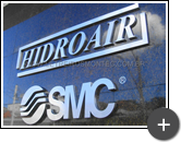 Letreiro da indústria Hidroair fabricado em inox escovado