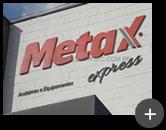 Material em aço aplicado no letreiro da fachada da empresa Metax Express