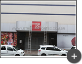 Letreiro da fachada da loja de roupas do Brás em São Paulo produzido em aço galvanizado