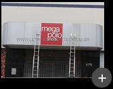 Letreiro instalado completo na fachada da loja de roupas no Brás em São Paulo -  Mega Polo Moda