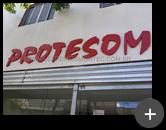 Letreiro instalado na fachada da loja Protesom em São Caetano do Sul - SP