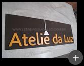 Material galvanizado aplicado no letreiro da Atelie da Luz