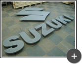 Suzuki - Letreiro confeccionado em aço galvanizado