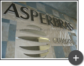 Letreiro de aço inox polido fabricado para a empresa Asperbras para a República Democrática do Congo na África