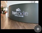 Instalação completa do letreiro de leds  com iluminação para empresa Hinode com requinte e sofisticação no ambiente pela luminosidade