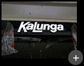 Letreiro luminoso com lâmpadas de leds instalado na loja Kalunga