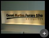 Letreiro de acrílico do escritório de advocacia em campinas com as cores padrão do logotipo