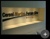 Letreiro instalado para o escritório de advocacia com requinte e sofisticação em acrílico dourado e verde de 10mm de espessura