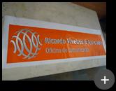 Fabricação do letreiro para oficina de comunicação em acrílico 10mm de espessura e letras espelhadas
