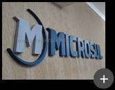 Letreiro instalado para o escritório da Microsul produzido em aço galvanizado