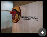 Produzimos o letreiro em acrílico para o escritório da UOL