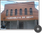 Letreiro produzido e instalado na entrada da igreja da Assembléia de Deus em aço inox com acabamento escovado