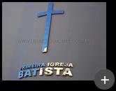 Logotipo em inox com alto brilho no formato de cruz para a igreja Batista