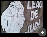 Logotipo para igreja evangélica produzido em aço inox e detalhes com adesivo preto caracterizando a imagem do leão