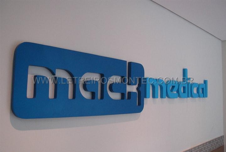 Letreiro de recepção para o escritório de produtos hospitalares em aço galvanizado com pintura
