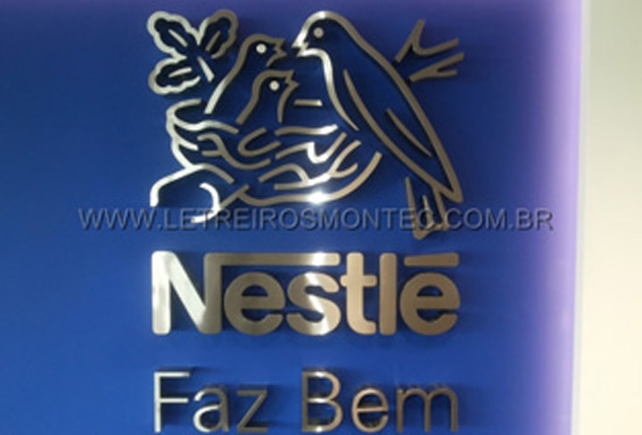Letra caixa da Nestlé