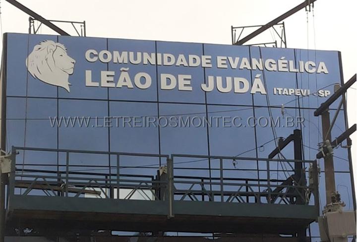 Letreiro de igreja evangélica comunidade Leão de Judá