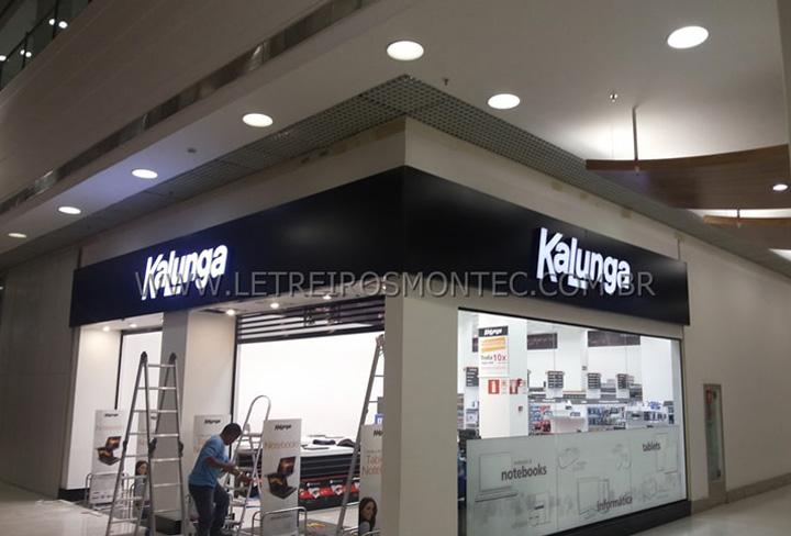 Letreiro das lojas Kalunga