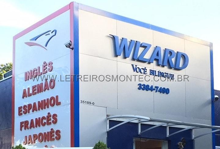 Letreiro para escola de idiomas Wizard