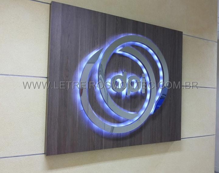Letreiro do escritório do grupo Bradesco - DPI - Departamento de Pesquisa e Inovacao com leds