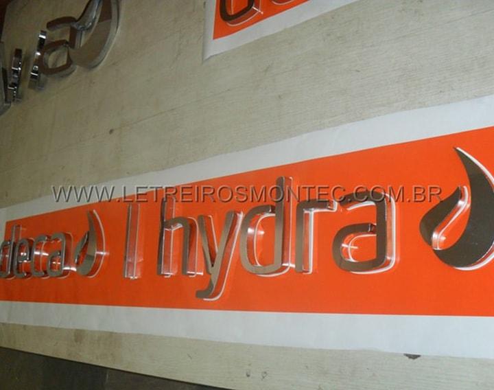 Letreiro Deca Hydra em São Paulo de aço inox polido