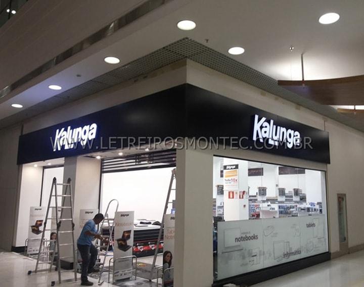 Letreiro para rede de lojas Kalunga com leds