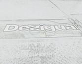 Letreiro luminoso com leds para a rede de lojas de roupas no Shopping da Desigual